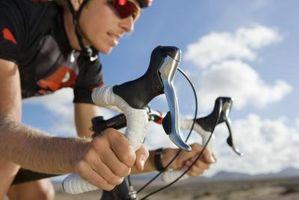 Como colocar apertos de borracha em uma bicicleta