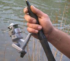 Como substituir a linha de pesca em um Reel