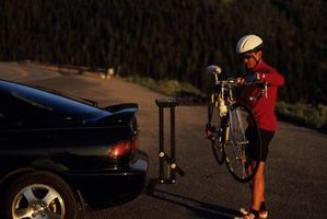 Como carregar um portador Quatro-Bike