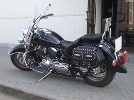 Como montar uma motocicleta com um sissy bar