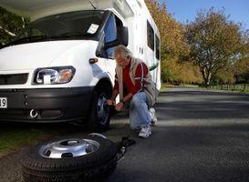 Onde devo colocar o Jack para trocar os pneus do meu Camper RV?