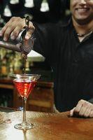 Como Mix & Despeje um Martini