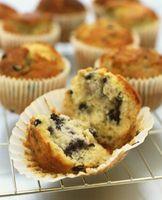 Baking Time for Vs. escuro  Luz Colorido Muffin Tins