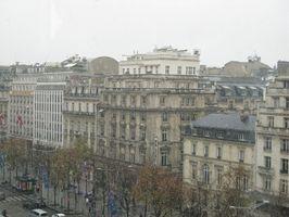 Como descontar loja em Paris, França
