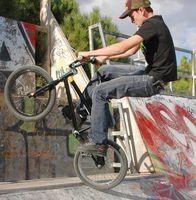 Como Parede Monte um BMX