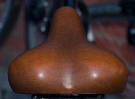 Como ajustar assentos de bicicleta para evitar Virilha Dormência