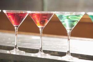 Como fazer uma cereja e Pear Martini