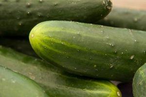 Como cortar Pickles para Canning