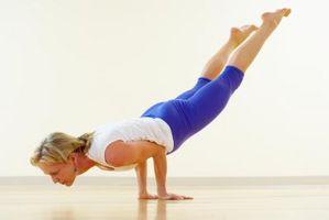 Exercícios de Yoga do núcleo duro em casa