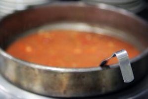 Hamburger sopa feita com V8 & vegetais misturados