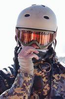 Como comparar capacetes de esqui