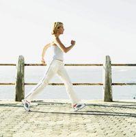 É caminhar 10 quilômetros por dia muito a perder peso?