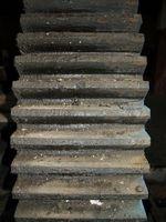 Como parar de alumínio corrosão causada por um piso de madeira Boat Tratada