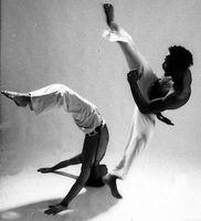 Como aprender movimentos de Capoeira