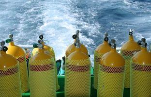 Como viajar com um tanque de mergulho