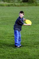 Como ensinar habilidades de Frisbee para Crianças
