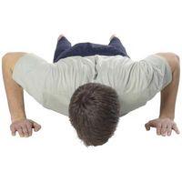 Como construir a força superior do corpo Fazendo Flexões