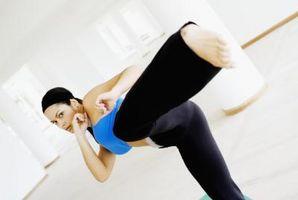 Esticando o músculo da virilha para Artes Marciais