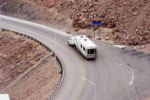 Como rebocar uma quinta roda com um caminhão cama Curto