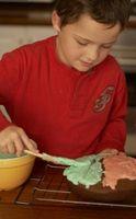 Dicas de decoração do bolo que são fáceis para as crianças a fazer