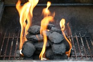 Como churrasco com carvão vegetal & Wood chips