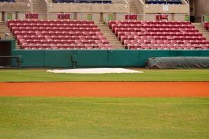 Como calcular a distância de uma batida no basebol