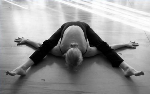 Como fazer Kurmasana Yoga