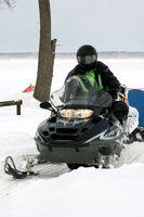 Como reparar um Snowmobile Capacete