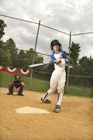 Como ensinar uma rapariga para bater uma bola de softball
