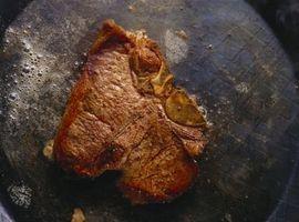 Como cozinhar Steak estilo francês em uma panela com manteiga