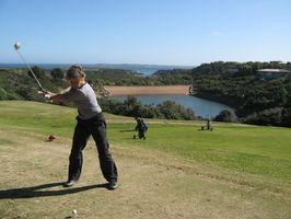 Como definir suas mãos durante o Golf Voltar balanço