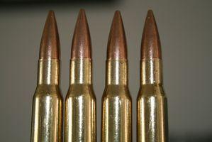 Que tipo de munição é necessário para um Rifle M1?