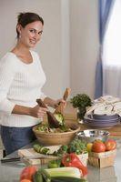 Como se preparar aperitivos e saladas