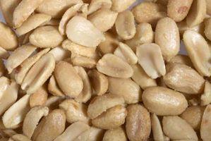 Como remover peles de Raw Peanuts