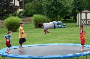 Como colocar um trampolim na terra
