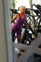 Os Exercícios Básicos para as mulheres idosas