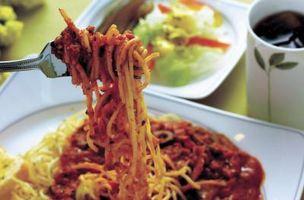 Como fazer baixo teor de gordura de espaguete à bolonhesa