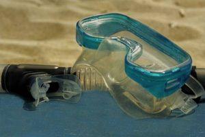 Como Snorkel Under Water