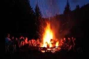Ideias de viagem de acampamento para crianças