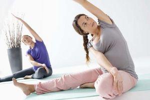Como exercícios de Yoga é diferente de Exercícios de alongamento?