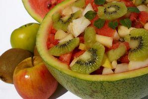 Como Servir fruta com Quiche for Breakfast