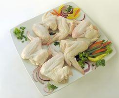 Como fazer asas de galinha em uma Rotisserie