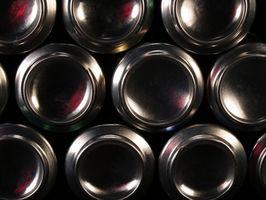 Que materiais são usados para fazer latas de alumínio?