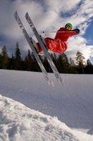 Como pendurar esquis na neve para Armazenamento