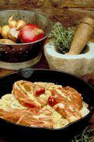 Que tipo de queijo é o melhor para cozinhar com costeletas de porco?