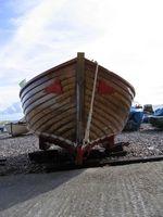 Barco de construção resinas que afundar na Madeira