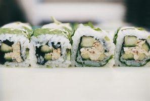 Como fazer Crunchy & Rolls picante de atum