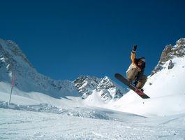Roupas para vestir enquanto snowboard