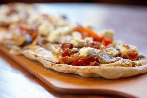 Como fazer a massa da pizza com o fermento