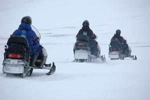 Como ajustar uma faixa Snowmobile